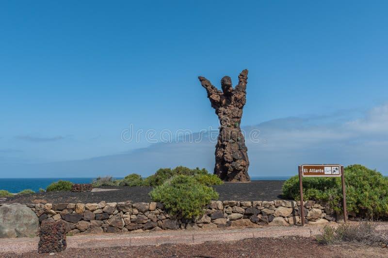 LAS PALMAS DE GRAN CANARIA, wyspy kanaryjskie HISZPANIA, PAŹDZIERNIK, - 03, 2018: Statua El Atlante Odbitkowa przestrze? dla teks obraz stock