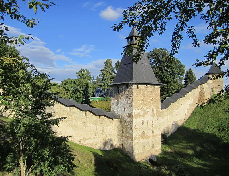 Las paredes del monasterio imagen de archivo libre de regalías