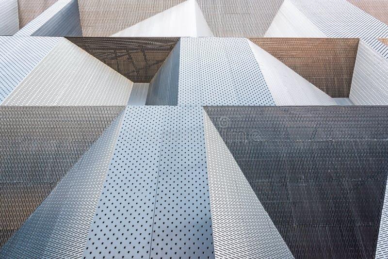 Las paredes externas del sentido simple metálico foto de archivo libre de regalías