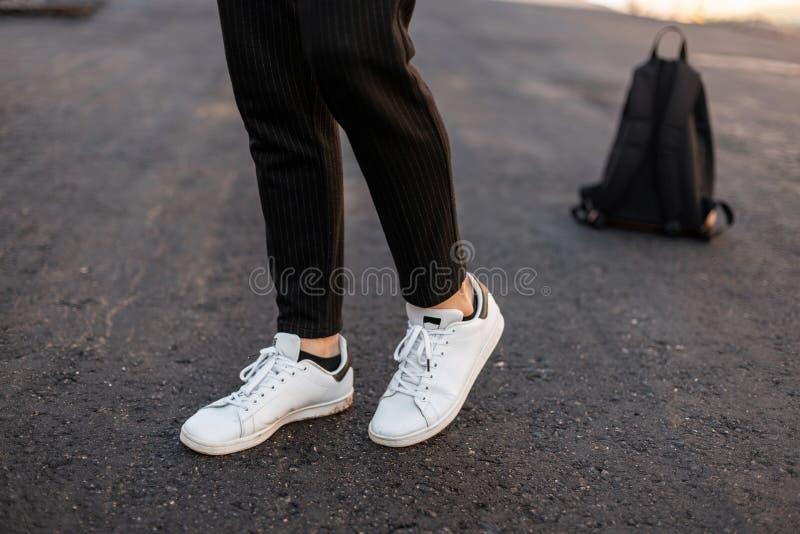 Pantalones Rayados De Los Hombres Fotos Libres De Derechos Y Gratuitas De Dreamstime