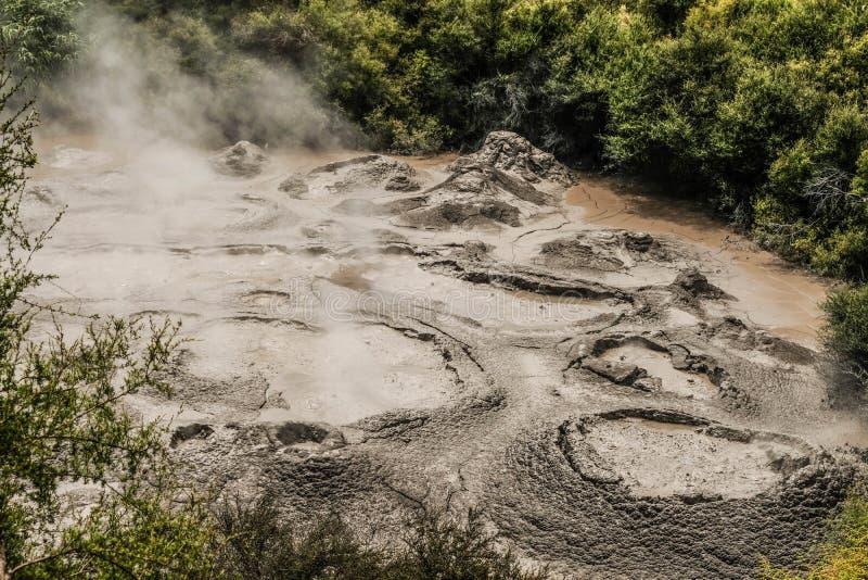 Las piscinas del fango ven desde arriba imagen de archivo