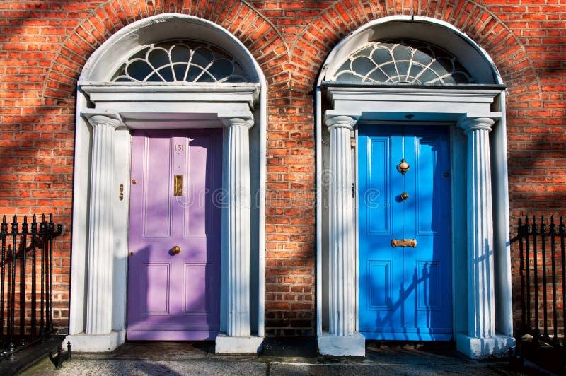 Las puertas del color fotos de archivo libres de regalías