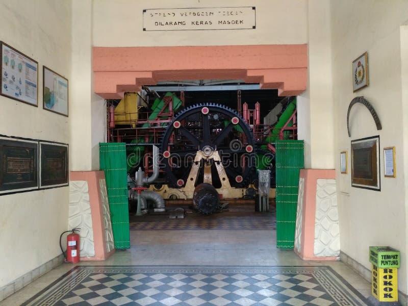 Las puertas principales de las colonias anteriores de la colonia holandesa en la fábrica a solas del sondokoro fotografía de archivo libre de regalías