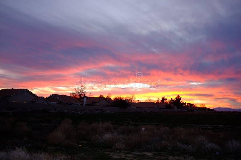 Las puestas del sol del desierto son el mejor imagenes de archivo