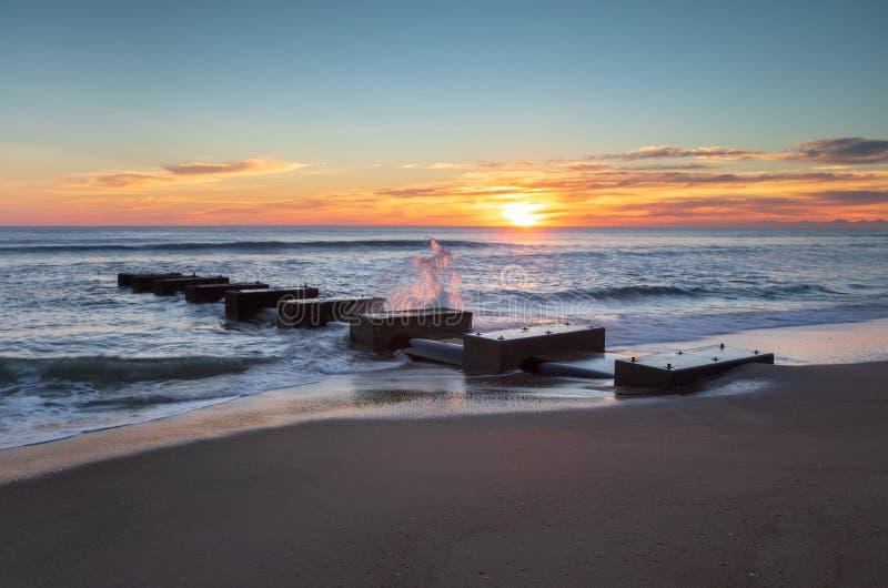Las quejas costeras de la salida del sol dirigen a Carolina Concrete Blocks del norte foto de archivo libre de regalías