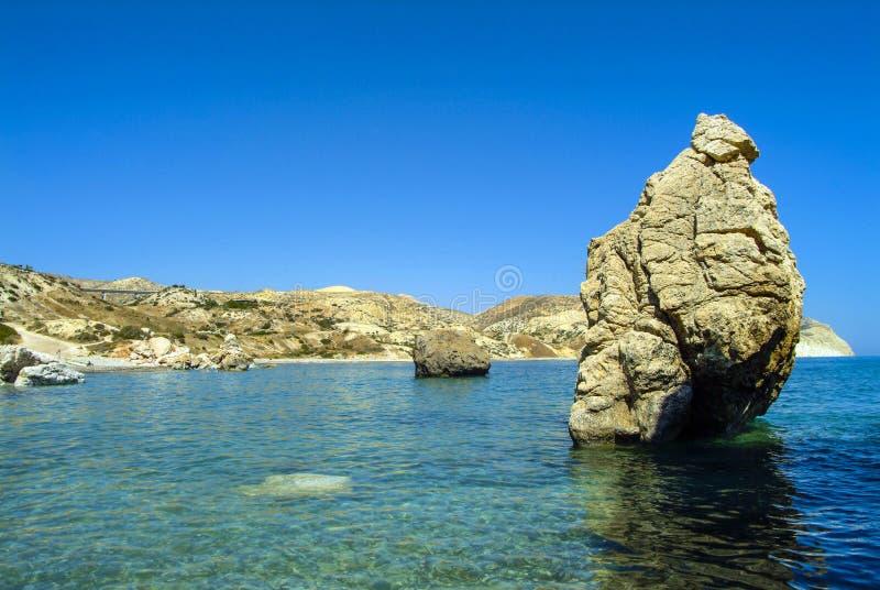 Las rocas del Aphrodite, en la isla mediterránea de Chipre imagen de archivo libre de regalías