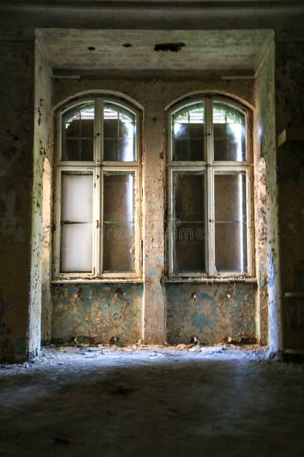 Las ruinas de Beelitz-Heilstätten perdieron el lugar Berlin Brandenburg fotografía de archivo libre de regalías