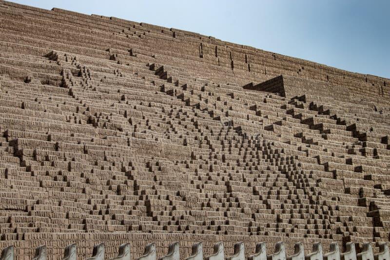 Las ruinas de Huaca Pucllana en Lima imagen de archivo