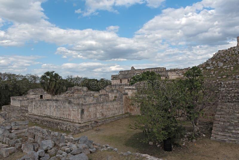 Las ruinas de la ciudad maya antigua de Kabah, Yucatán, México imágenes de archivo libres de regalías