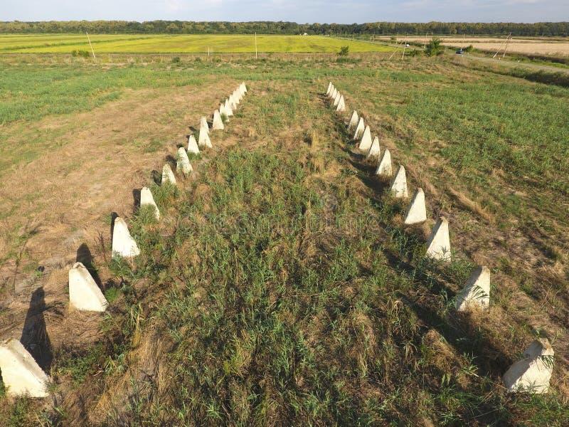 Las ruinas de la granja vieja Base de columna de los conos de la pared Abando fotos de archivo libres de regalías