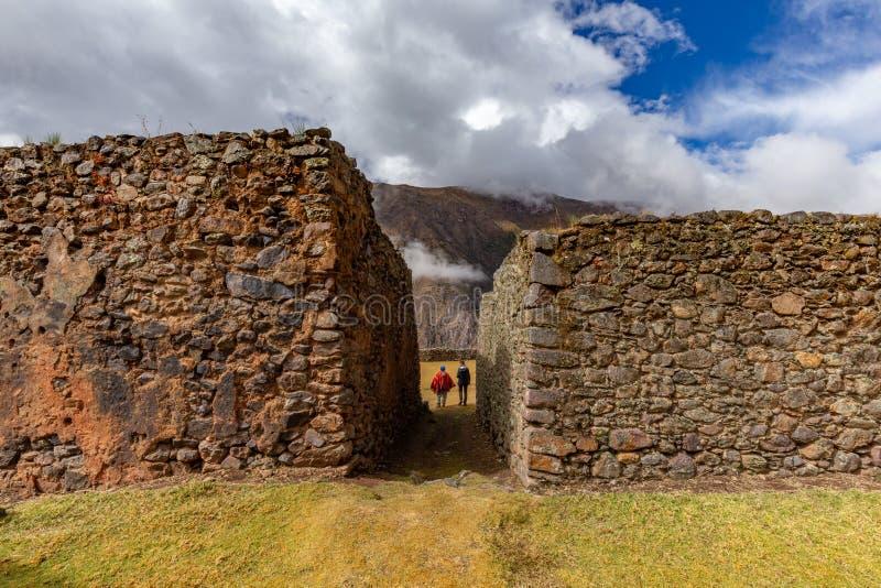 Las ruinas de Pumamarka y #x28; Puma Marka y #x29; aldea del Perú fotografía de archivo