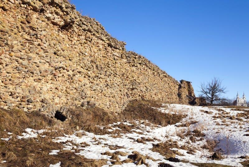 Las ruinas de una fortaleza antigua fotos de archivo libres de regalías