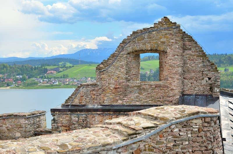 Las ruinas del castillo viejo fotografía de archivo