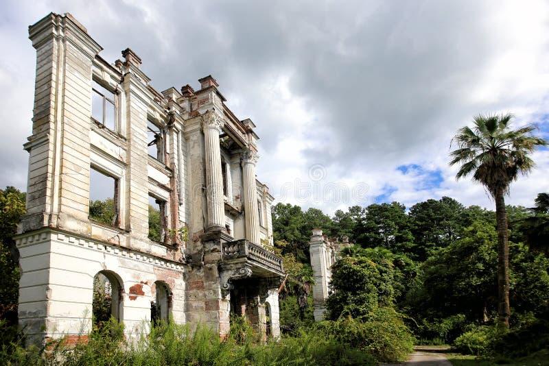 Las ruinas del palacio de pr?ncipe Smetsky imagen de archivo libre de regalías