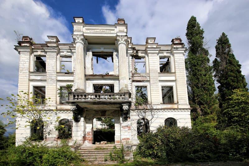 Las ruinas del palacio de pr?ncipe Smetsky foto de archivo