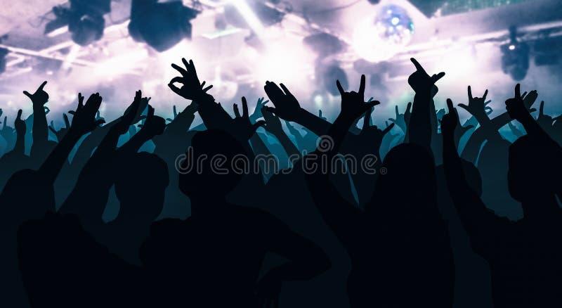 Las siluetas de la gente del baile delante de la etapa brillante se encienden stock de ilustración