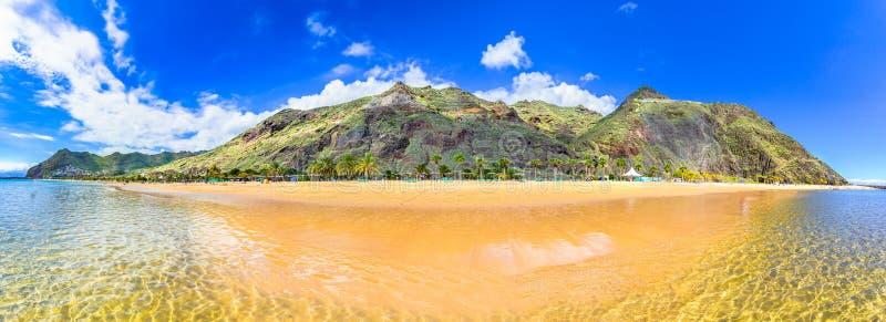 Las Teresitas,特内里费岛,加那利群岛,西班牙:在圣克鲁斯de特内里费岛附近的一个著名海滩 图库摄影