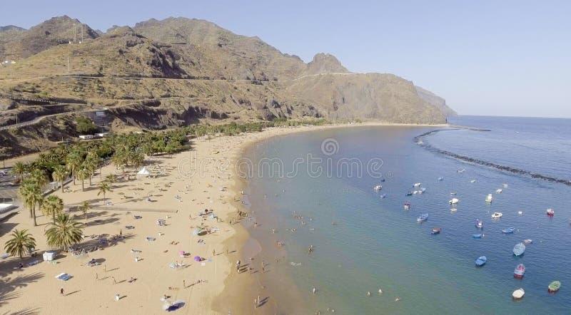 Las Teresitas, Tenerife Flyg- sikt av kanariefågelöar arkivbild