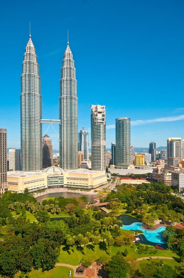 Las torres de Petronas imagenes de archivo