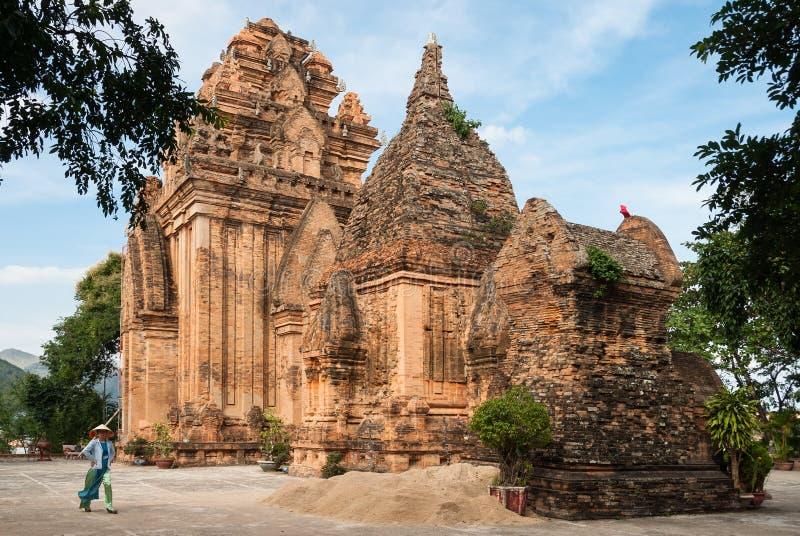 Las torres del Cham en Vietnam fotos de archivo