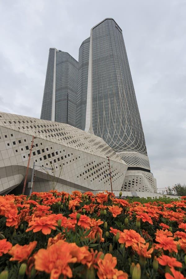 Las torres gemelas de Nanjing también conocidas como mundo Trace Center se elevan en la provincia de Jiangsu foto de archivo libre de regalías