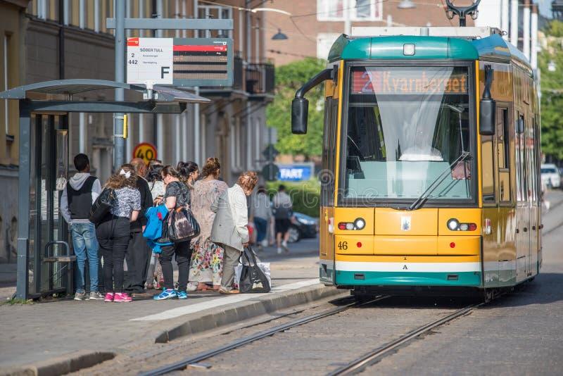 Las tranvías amarillas icónicas de Norrkoping, Suecia foto de archivo libre de regalías
