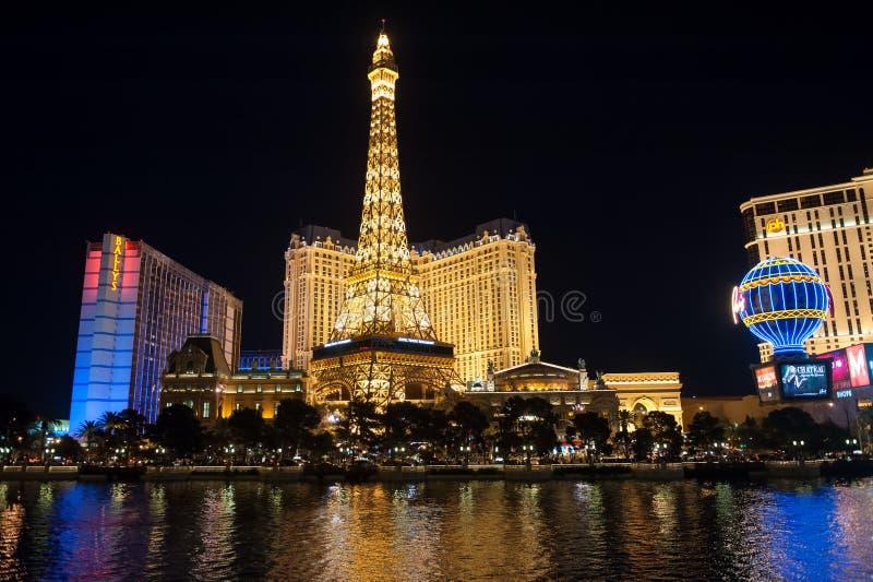 Las Vegas Boulevard por noche foto de archivo libre de regalías