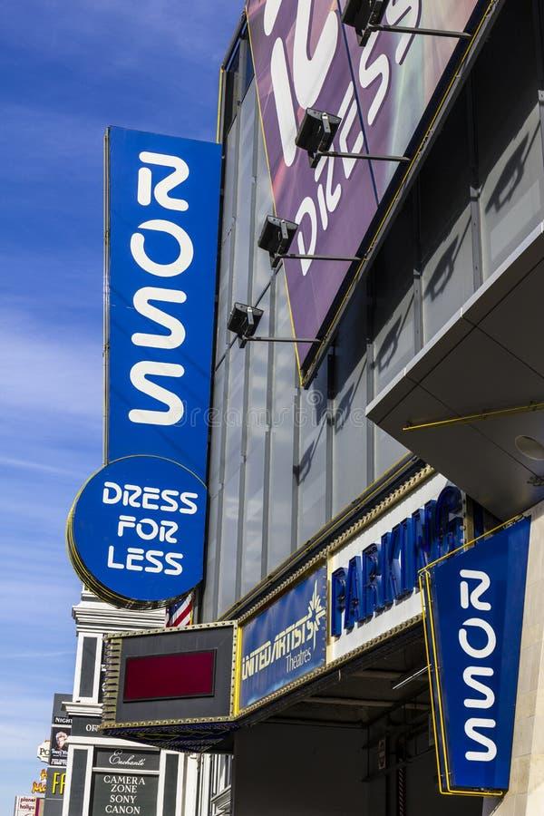 Las Vegas - circa diciembre de 2016: Ross Dress para menos tienda al por menor en la tira II imágenes de archivo libres de regalías