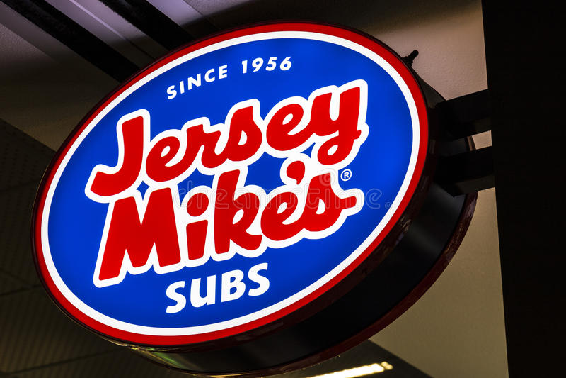 Las Vegas - Circa Juli 2017: Subs van Jersey Mike ` s Snel Voedselrestaurant Subs van Jersey Mike ` s is een subsandwichketting I royalty-vrije stock afbeelding