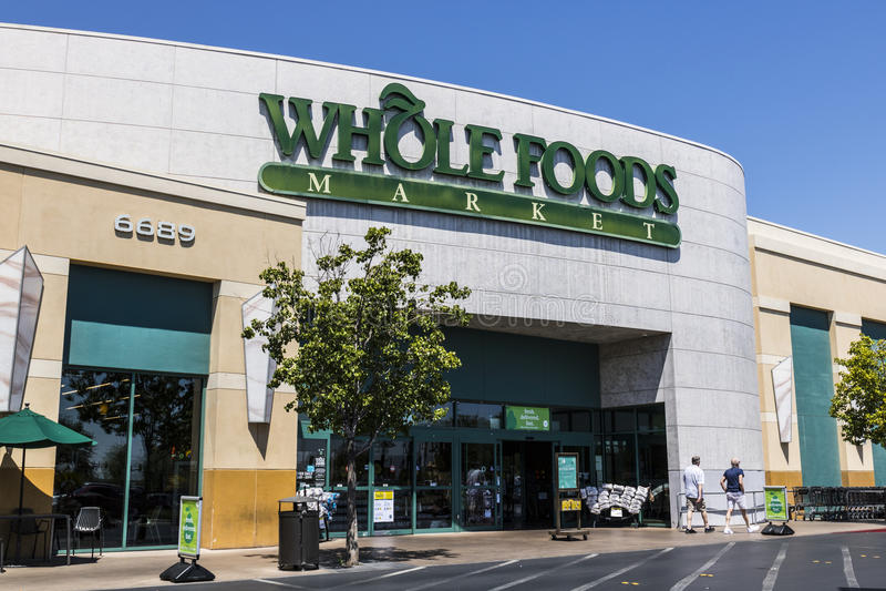 Las Vegas - circa julio de 2017: Mercado de Whole Foods El Amazonas anunció un acuerdo de comprar Whole Foods para $13 7 mil mill imagen de archivo