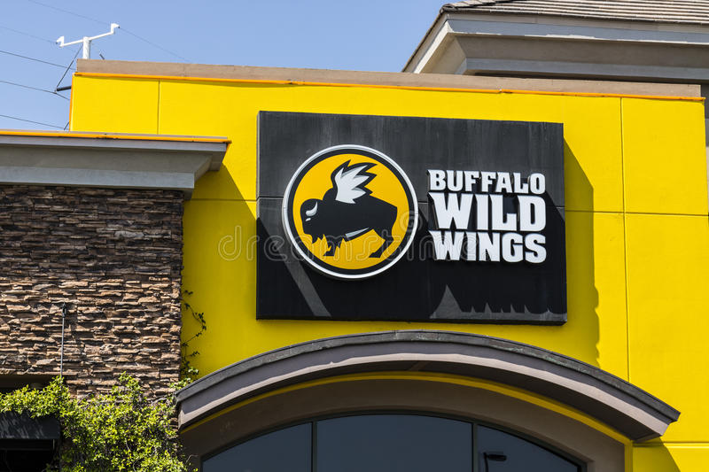 Las Vegas - Circa July 2017: Buffalo Wild Wings Grill and Bar Restaurant. You Can Find Live Sports, Wings and Beer at B-Dubs V. Buffalo Wild Wings Grill and Bar stock photography