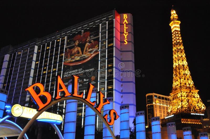 Las Vegas de Bally y reproducción de la torre Eiffel de París en Las Vegas imagen de archivo libre de regalías