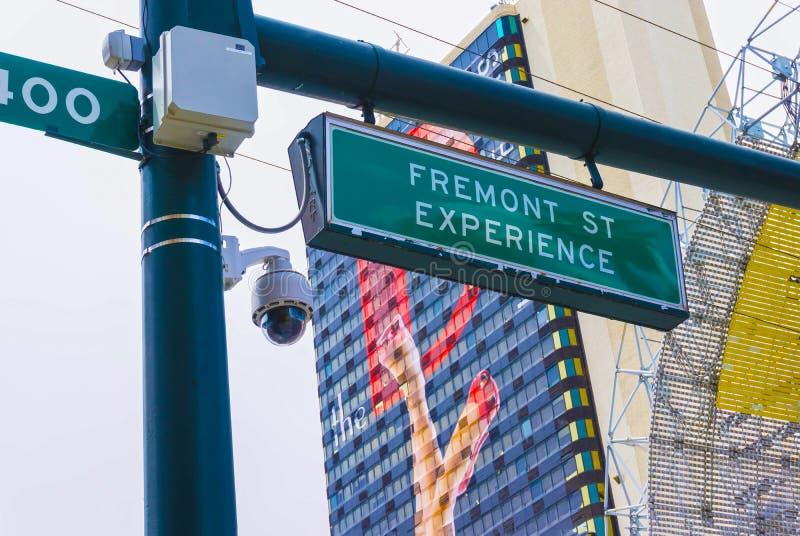 Las Vegas, die Vereinigten Staaten von Amerika - 7. Mai 2016: Das Zeichen des Eingangs zur Fremont-Straßen-Erfahrung während lizenzfreie stockbilder