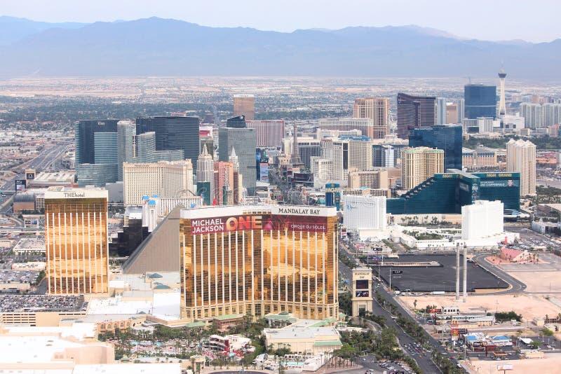 LAS VEGAS, ETATS-UNIS - 15 AVRIL 2014 : Vue aérienne des casinos de bande à Las Vegas Parmi 25 plus grands hôtels au monde, 15 so photos stock