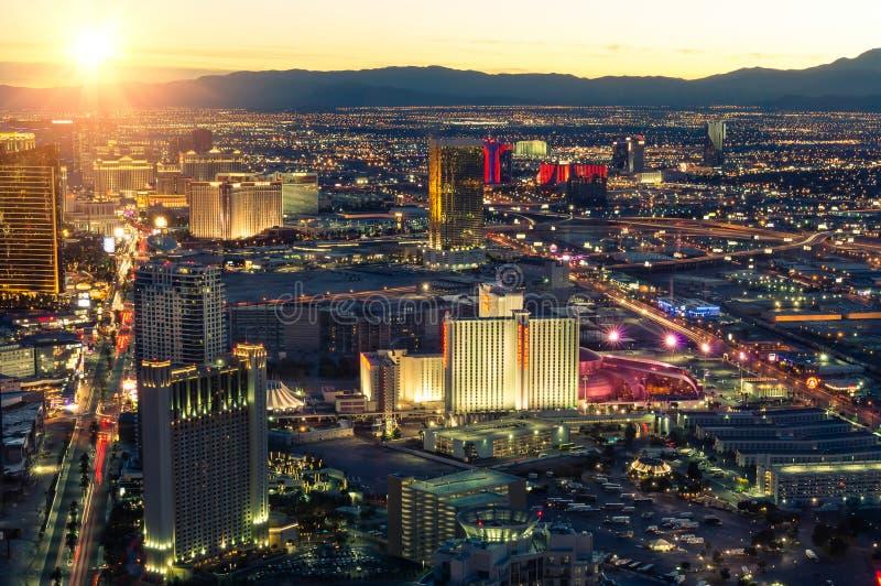 Las Vegas horisont på solnedgången royaltyfri fotografi