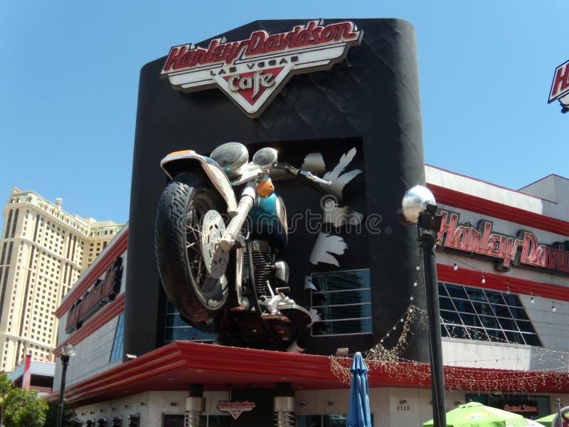 Las Vegas im Jahre 2009 Planet Hollywood-Hotel und Harley Davidson stockbild