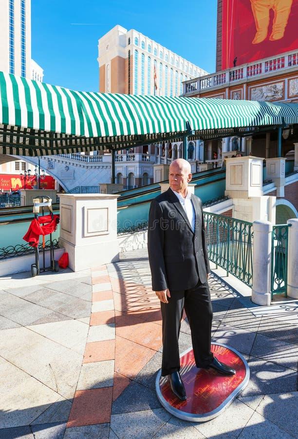 LAS VEGAS, LOS E.E.U.U. - 31 DE ENERO DE 2018: Vista de la estatua del actor Bruce Willis Con el foco selectivo vertical imagen de archivo libre de regalías