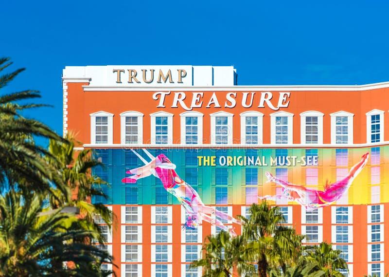 LAS VEGAS, LOS E.E.U.U. - 31 DE ENERO DE 2018: Vista de la fachada del tesoro del triunfo del edificio del hotel Aislado en fondo fotos de archivo libres de regalías