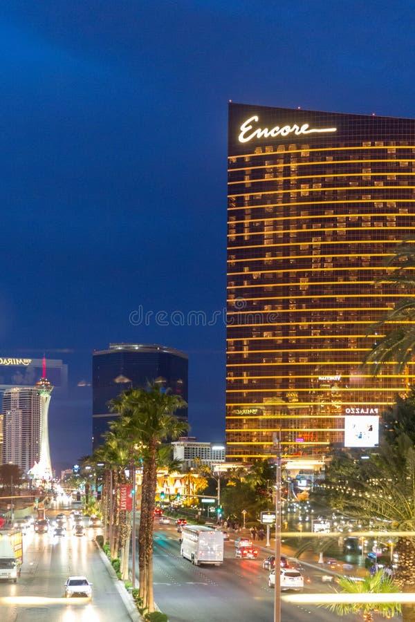 LAS VEGAS, LOS E.E.U.U. - 29 DE MAYO DE 2015: Casino y hotel de la repetición en la oscuridad en Las Vegas, los E.E.U.U. fotos de archivo libres de regalías