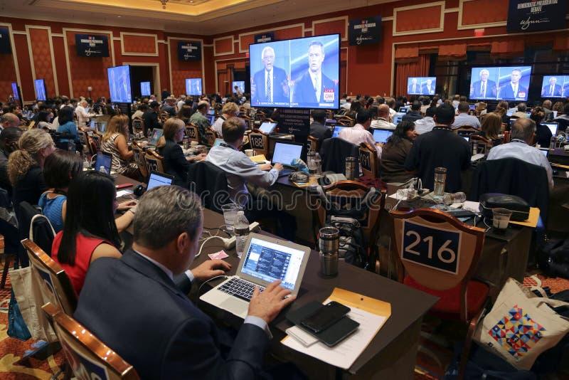 LAS VEGAS, NANOVOLT - 13 OCTOBRE : Pièce présidentielle Democratic de classement de presse de discussion où media classant des ar images stock