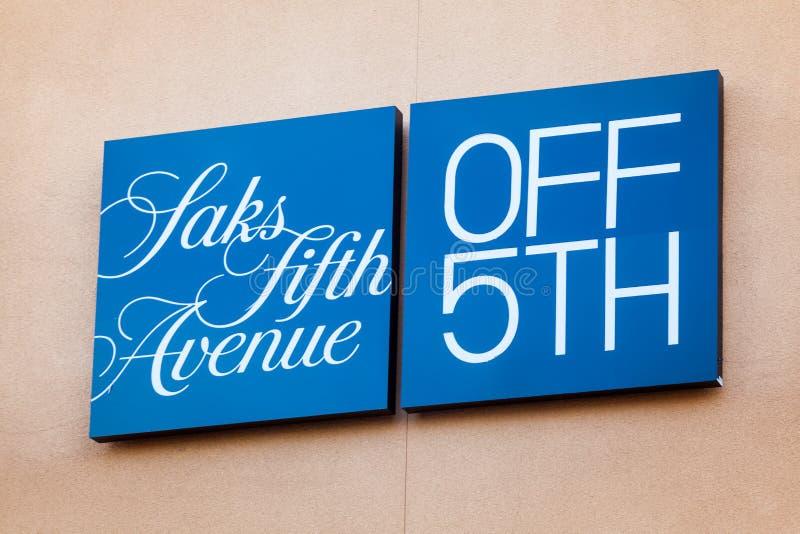 LAS VEGAS, NEVADA - 22 de agosto de 2016: Saks Fifth Avenue Logo On imagem de stock