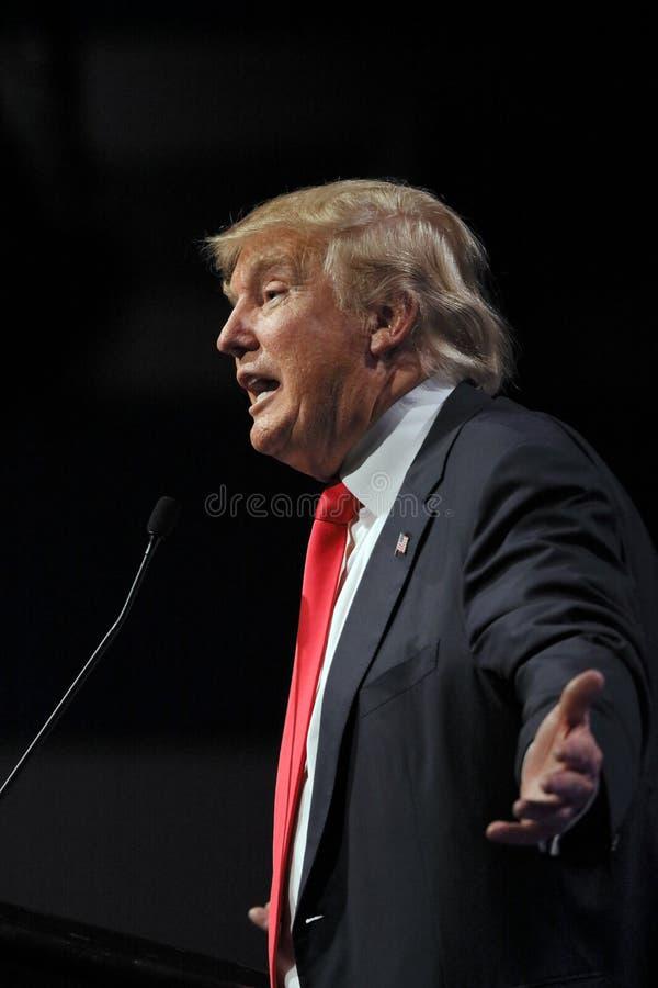 LAS VEGAS NEVADA, DECEMBER 14, 2015: Den republikanska presidentkandidaten Donald Trump talar på aktionhändelsen på Westgate Las  fotografering för bildbyråer