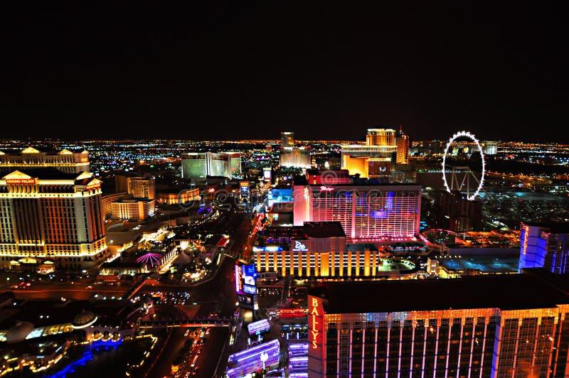 LAS VEGAS, NEVADA, EUA - 22 DE ABRIL DE 2015: Ideia aérea da tira, estiramento de 4 2 milhas em Las Vegas Boulevard imagem de stock
