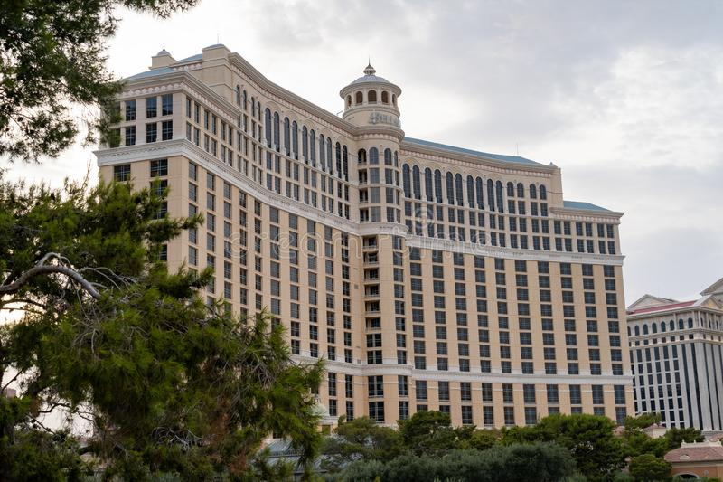 LAS VEGAS NEVADA - JULI 9, 2018: Yttersida av det Bellagio hotellet fotografering för bildbyråer