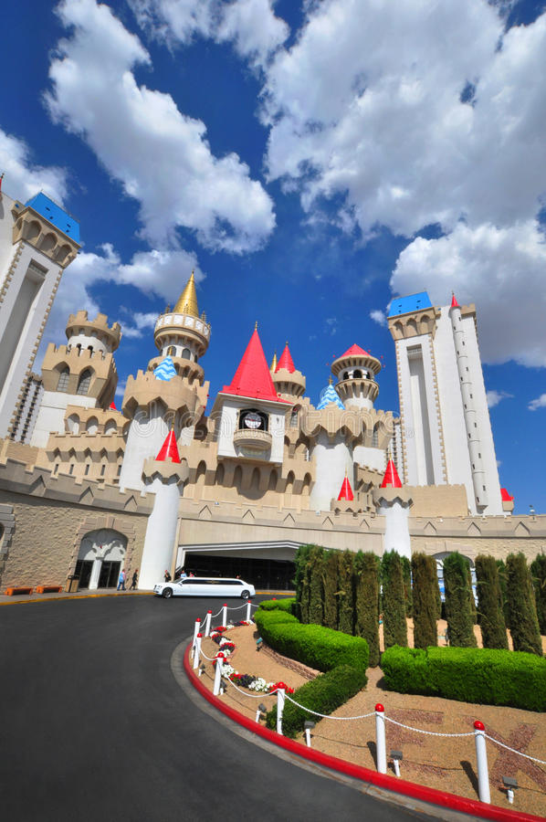 LAS VEGAS, NEVADA, USA - 24. APRIL 2015: Das Hotel und das Kasino Excalibur wird am 24. April 2015 in Las Vegas, Nevada gezeigt stockfotos