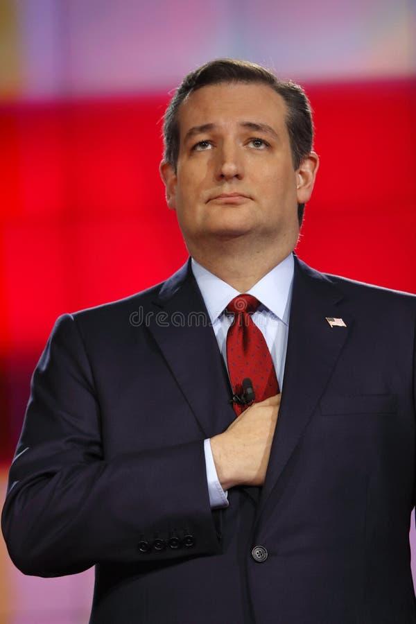 LAS VEGAS NV - DECEMBER 15: Republikansk för Ted Cruz för presidentkandidatUSA-senator hand håll över hjärta och under hans omsla royaltyfria foton