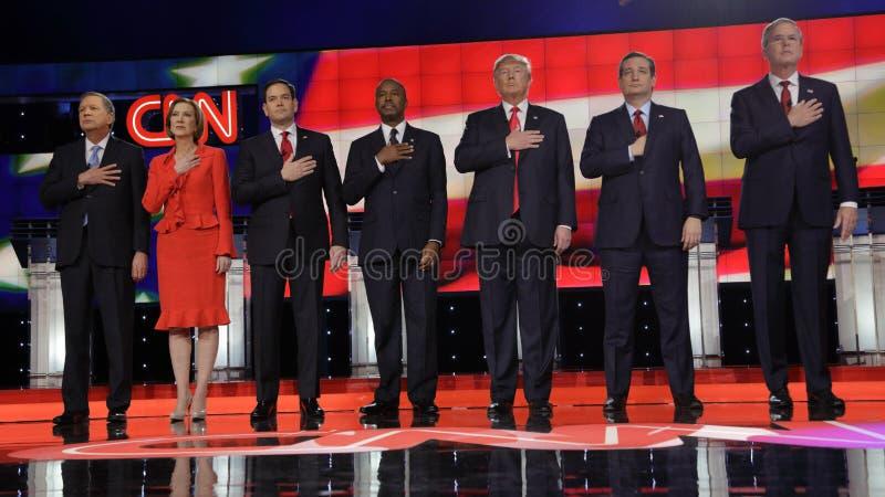 LAS VEGAS NV - DECEMBER 15: Republikanska presidentkandidater (L-R) John Kasich, Carly Fiorina, Sen Marco Rubio Ben Carson, gör arkivbilder