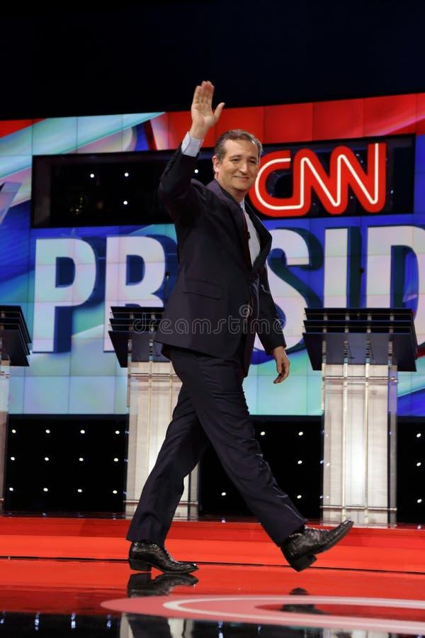 LAS VEGAS, NV, December 15, 2015, senatorn Ted Cruz, en republikan från Texas och presidentkandidaten 2016, går och vinkar på eta fotografering för bildbyråer