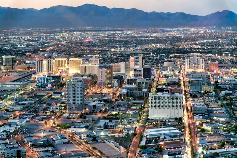 LAS VEGAS, NV - 29 GIUGNO 2018: Vista aerea di notte dei casin? principali della citt? Las Vegas ? conosciuto come Sin City, citt immagini stock