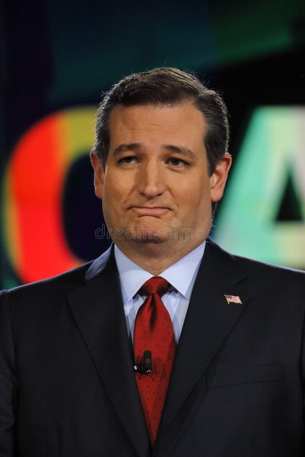 LAS VEGAS, NV - GRUDZIEŃ 15: Republikański kandyday na prezydenta USA senator Ted Cruz przy CNN republikańską prezydencką debatą  zdjęcia stock